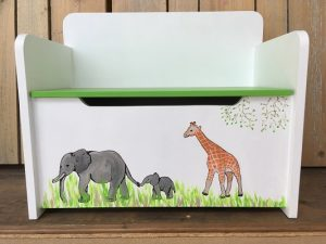 opbergbankje 2 olifanten en een giraf | geschilderd kraamcadeau kids wonen